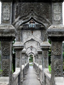 palace-ujung-castle-king-bali-east-coast-amed-balidiversity