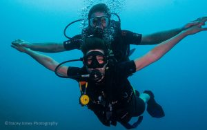 Control your buoyancy like a pro to enjoy great diving memories!